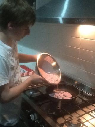 Cocine a fuego medio por lo que doesn't burn.