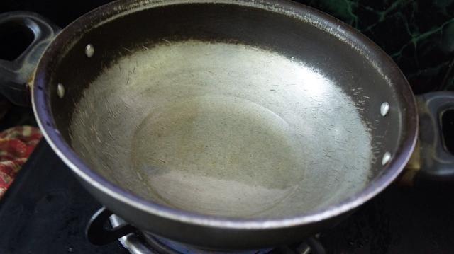 Añadir el aceite de oliva ...