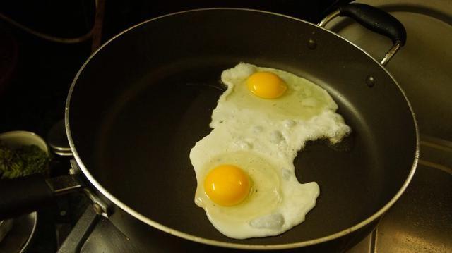 Ahora triturar los 2 huevos
