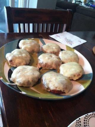 Agregue el queso pepper jack para empanadas y permitir que el calor de la parrilla para derretir el queso.