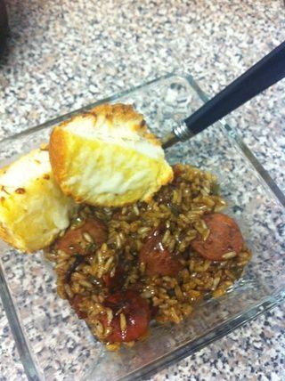 Añadir el arroz, revuelva para incorporar todo. Top con perejil, sazone al gusto y disfrutar ??????