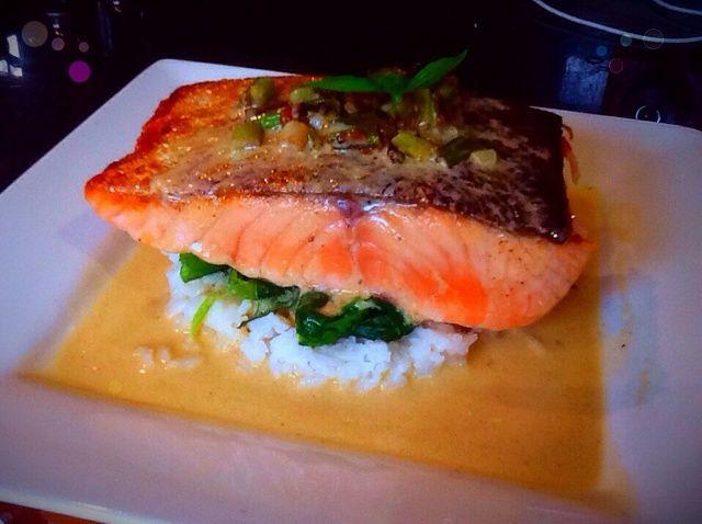 Cómo cocinar salmón con salsa de mantequilla de limón Receta