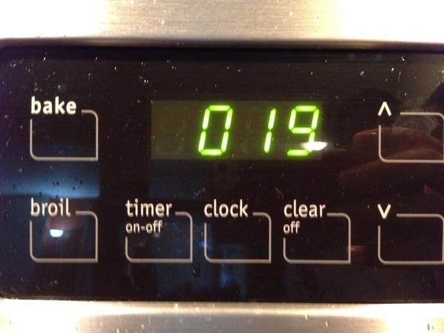 Cocine su camarones a fuego medio durante unos 19-25min o hasta que esté hecho. Disculpe la superficie sucia por favor !!!