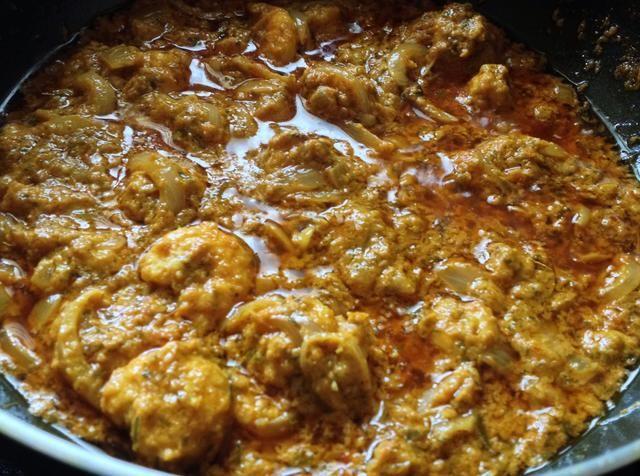 Ahora que los mariscos rey gambas al curry está listo para comer !!! Me encanta este plato mucho !! -)
