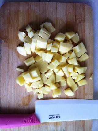 Patatas cortadas.