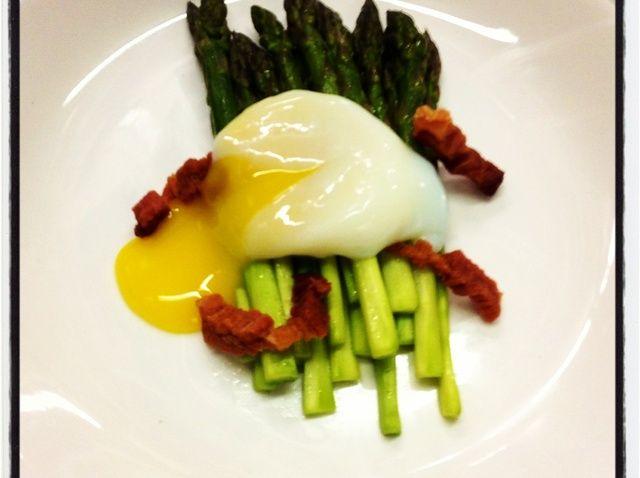 Cómo cocinar Sous Vide huevo escalfado Con trufado Espárragos Receta