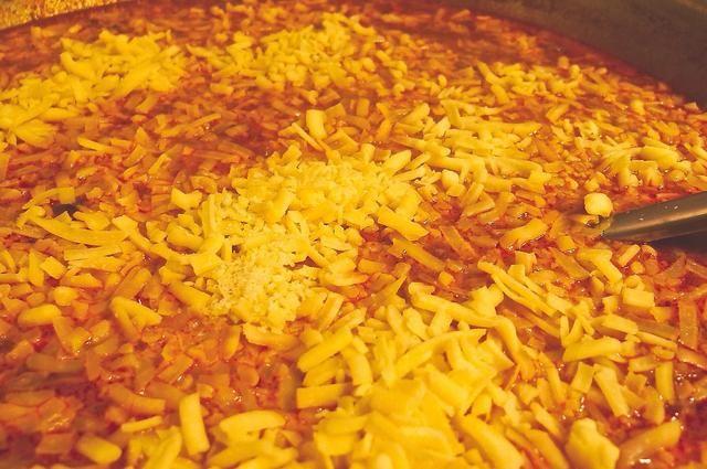 Por último agregue el queso cheddar rallado .... para darle una textura cremosa y aterciopelada.
