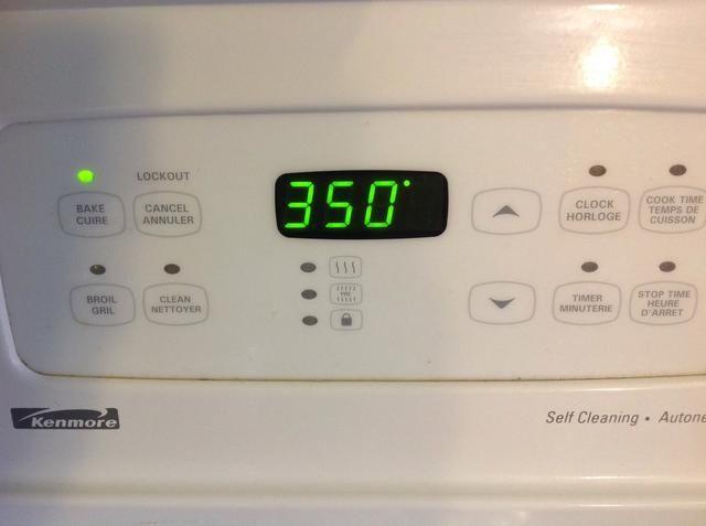 Precalentar el horno a 350 grados