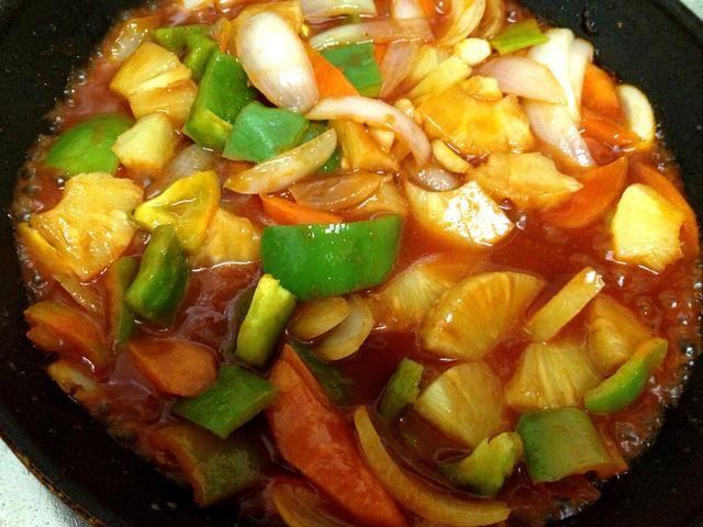 mezclar y cocinar a fuego lento un poco