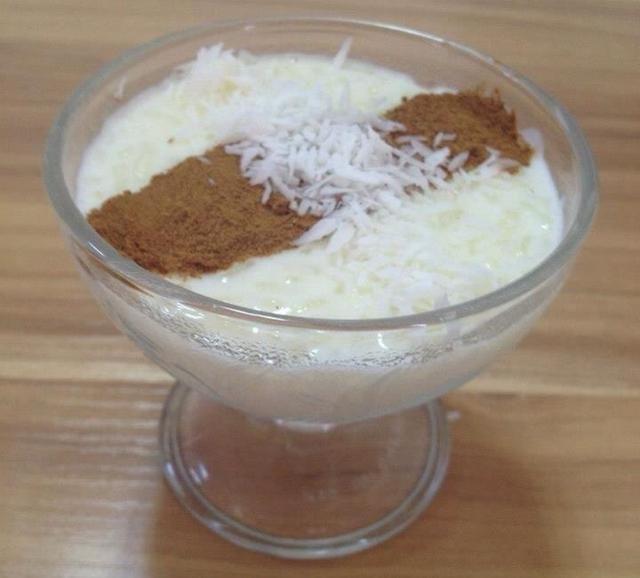 Añadir un poco de canela y coco que le dará un gran sabor