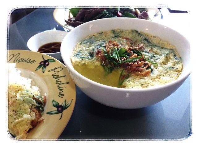 Cómo cocinar al vapor tailandesa Huevo (Kai Toon) en una receta de microondas