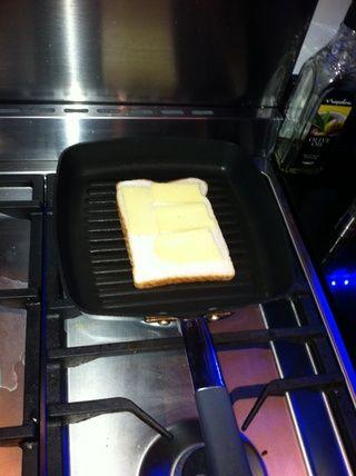 Añadir el queso para el pan.