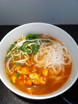 Agregue la sopa y servir! Disfrute de su comida.