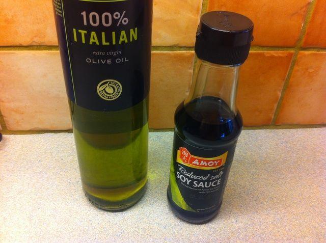 Haga que su salsa Petróleo y soja de oliva en la lista ..