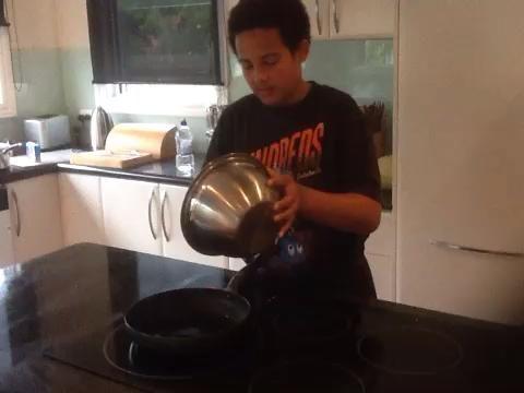 Adición de los ingredientes para el cordero