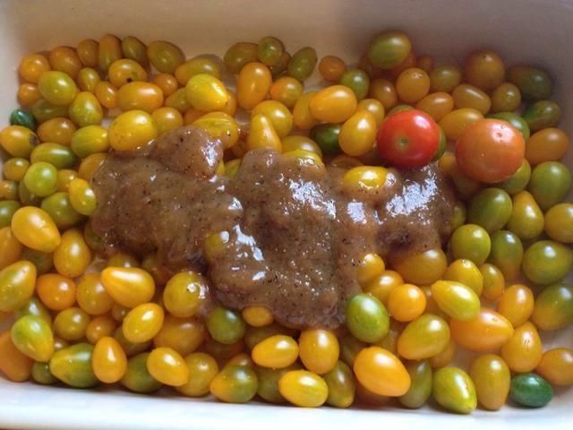 Añadir la pasta de tomates