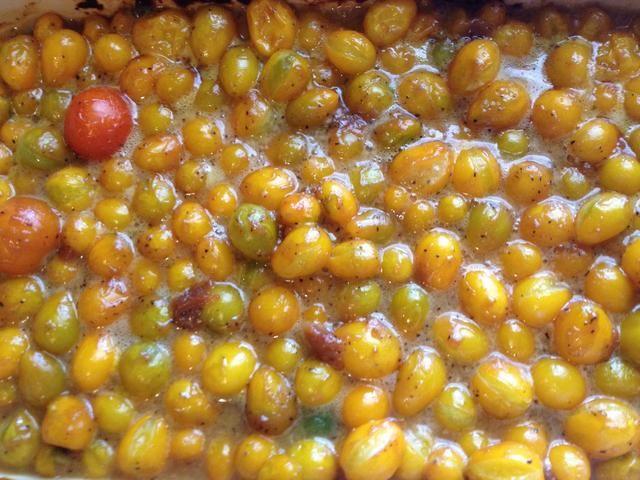 Retire los tomates del horno