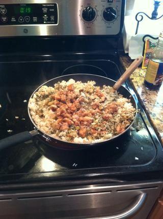 Añadir las verduras y el pollo.