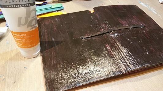 i pinté la capa inferior con pintura acrílica pebeo sombra tostada
