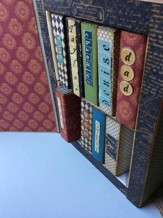 Agregar nombres a cada libro con misceláneos. Pegatinas del alfabeto.