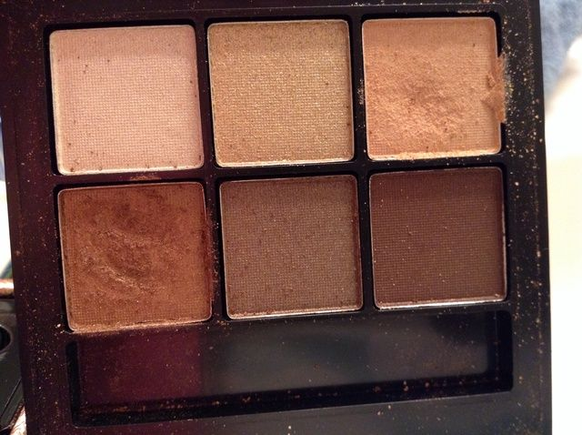 Cómo crear un maquillaje del color básico