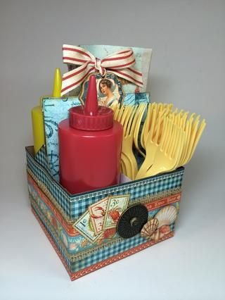 Rellenar con servilletas, condimentos y utensilios de plástico y que're ready for a picnic on the beach! For more inspiration, visit my blog: AnnettesCreativeJourney.blogspot.com