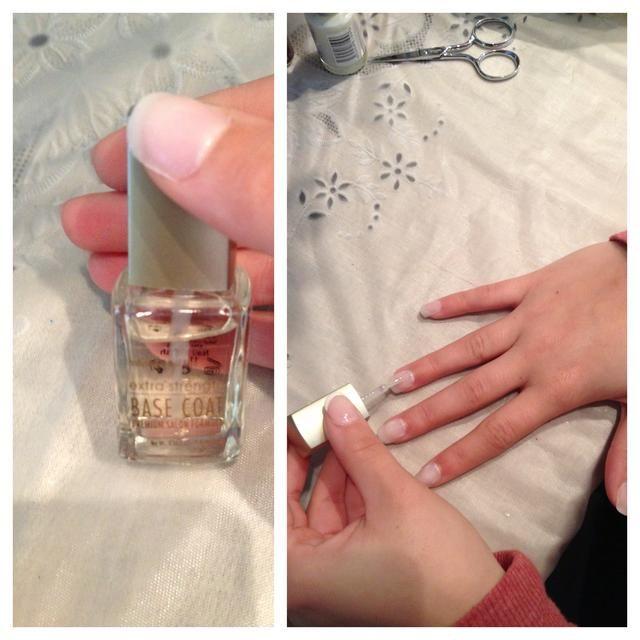 Pintar una capa delgada de la capa de base para proteger la uña.