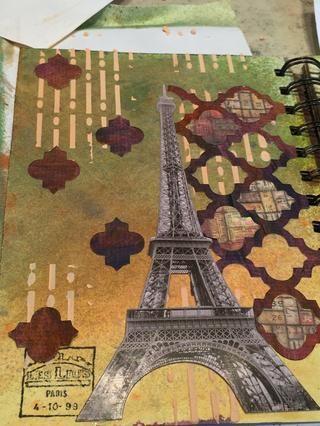 Añadir un poco más de las piezas de papel Bristol a la izquierda de la imagen de la Torre Eiffel.