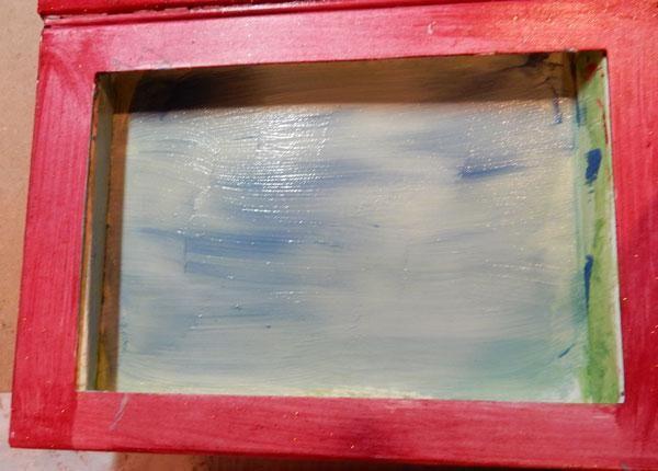 Pinte una capa de Aloha Velvet mezclado con yeso en el lado izquierdo.