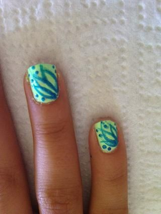 Paso 6: Revise puntos con esmalte Laugh My Art Off brillo de uñas
