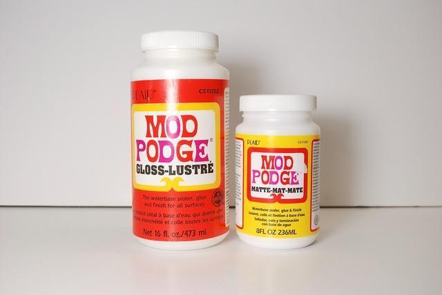 Después de que la pintura se haya secado, usted puede decidir si desea o no utilizar mod-podge para sellar su diseño!