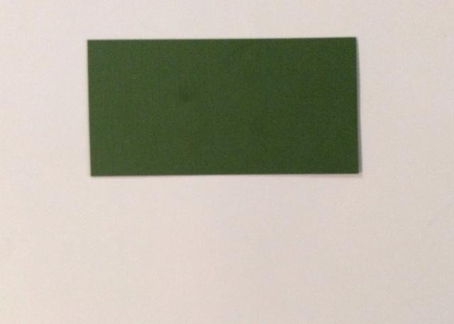 Cortar 1 verde cartulina estera en 4 7/8 x 2 1/2 pulgadas.