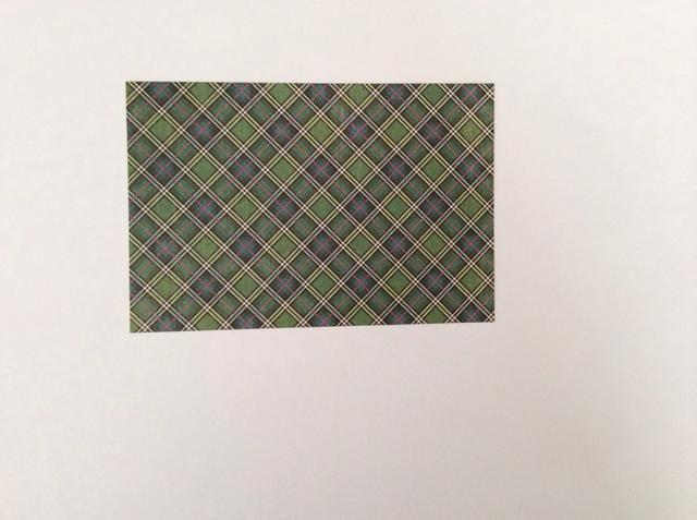 Cortar 1 verde verificación azul de la colección de papel a los 5 x 3 3/8 pulgadas.