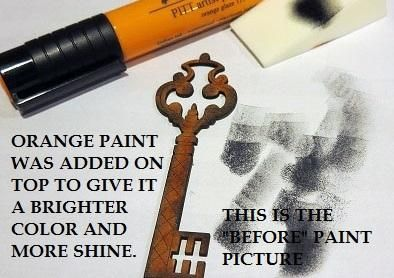 Clave aglomerado Shed Leaky fue coloreado con marcador de color naranja, los bordes estaban desamparadas y luego se añadió un toque de pintura acrílica de oro de color naranja para el brillo y el brillo.