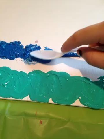 Para conseguir esto, deslice la Cuchara de ida y vuelta a través de la pintura