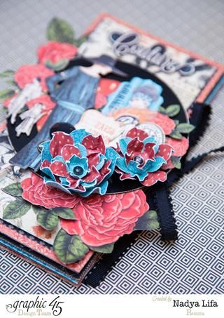 Decoración de una cubierta con detalles de corte exigentes !!! Flores Gráfico 45 Couture son tan tan dulce y hermosa! ¡Quiéralo! Y es un pequeño secreto: Humedecer las flores y se arrugue para darles una forma como esta!