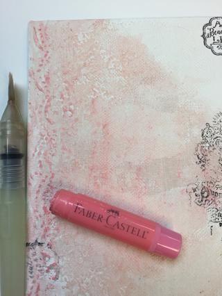 Agregue un poco de estampado con tinta de archivo y empezar a pintar el fondo con gelatos