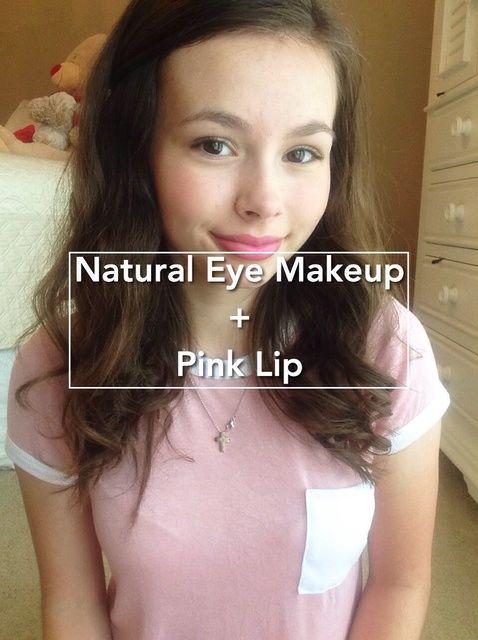 Cómo crear un look de maquillaje natural de ojos con un labio Negrita