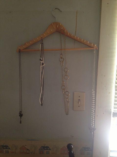 Cómo crear una percha Collar