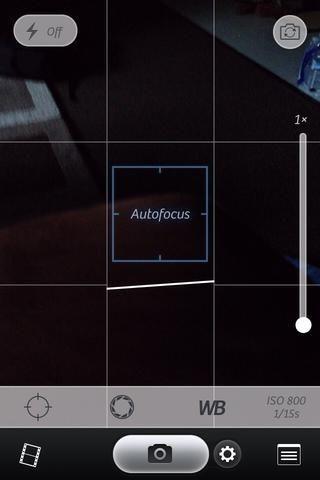 Si esta es tu primera pantalla (este es el modo de cámara), toque en el icono de la película en la esquina inferior izquierda para llegar al editor. (Tengo el iPhone 4s y esta aplicación toma mejores fotos que la cámara del iPhone)