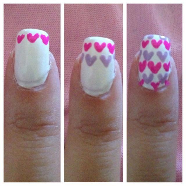 Paso 4: El dedo índice, creando grupos de rosa y los corazones púrpuras alterna. Para ello, cree v-formas con la herramienta que salpican. Deje secar.