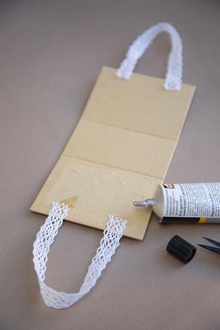 Añadir asas de encaje para los bolsos