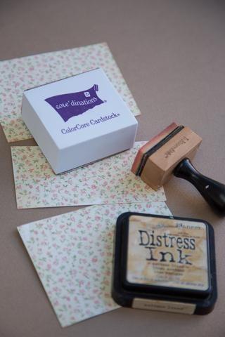 Cortar 3 partes del papel y DISTREE en el borde