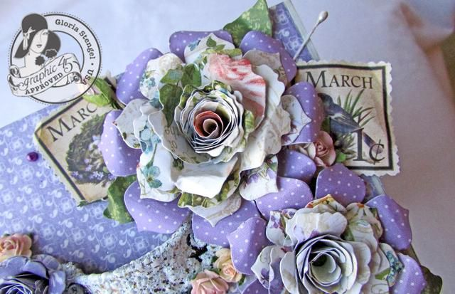 Crear las flores de una combinación de flores pre-hechos y flores hechas a mano creados a partir de formas troqueladas. Añadir otra decoración en la tapa de la caja y en todo el borde de la tapa.