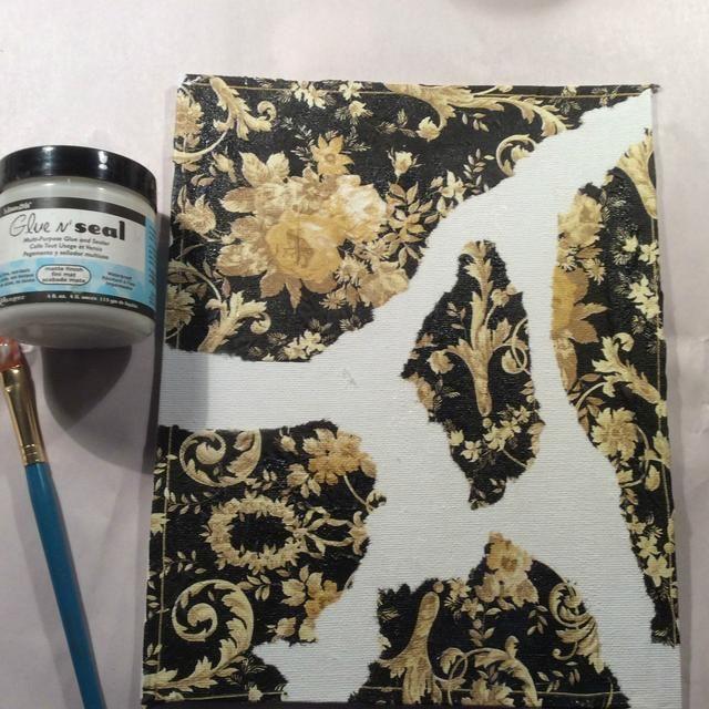 Aplicar al azar a su lienzo con adhesivo preferido. Solía casera Mod Podge ... medio pegamento Escuela + media agua.