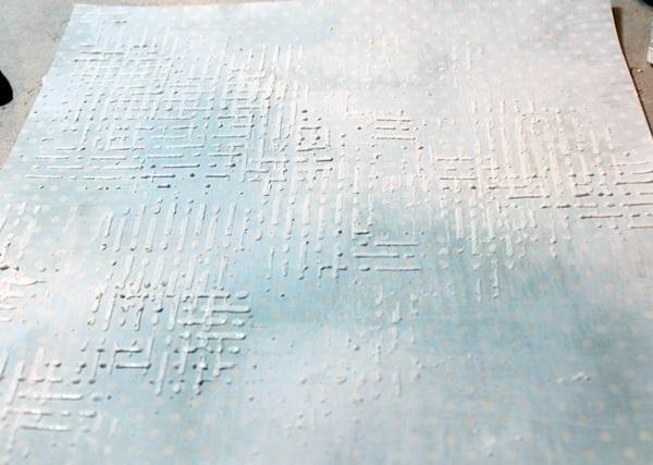 He creado una textura de la red mediante la adición de capas de estuco a través de la plantilla, de gruesa me sequé la capa vertical, antes de añadir la capa horizontal.