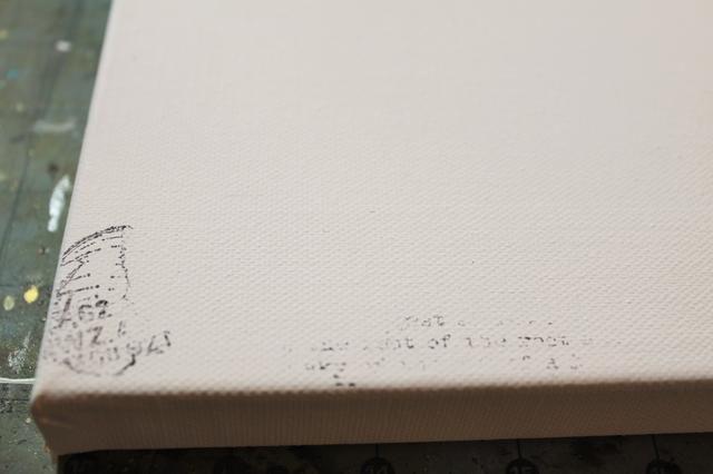 Agregue un poco de estampado al azar con tinta Archivo negro.