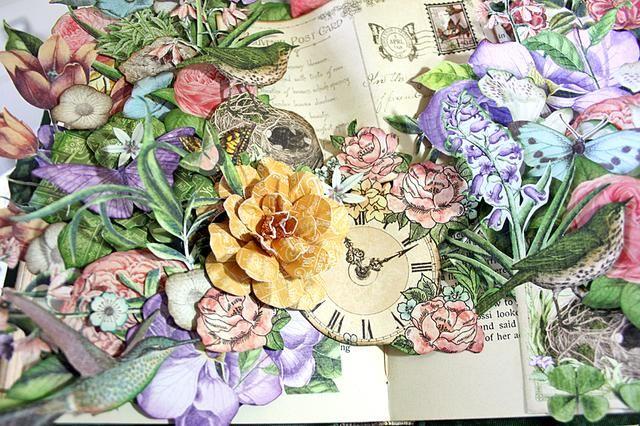 También puede agregar flores de papel en 3-D para su diseño. Realmente añade un poco de interés. Éstos fueron hechos usando el Gráfico 45