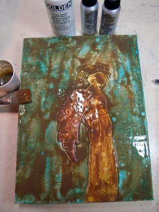 Extienda la mezcla espesa de todo el lienzo y dejar que repose durante unos 10 minutos. El esmalte se filtran en todos los rincones y grietas y realmente dejar que esas grietas muestran.