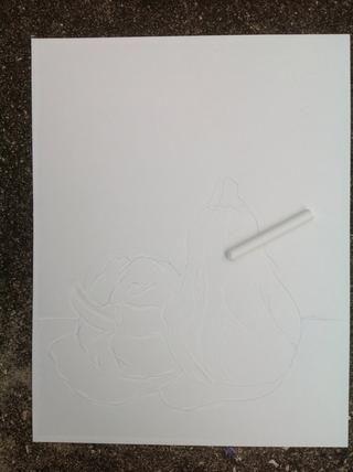 Use tiza para trazar sobre sus líneas de lápiz. Estas líneas de tiempo se oscurecen con tinta.